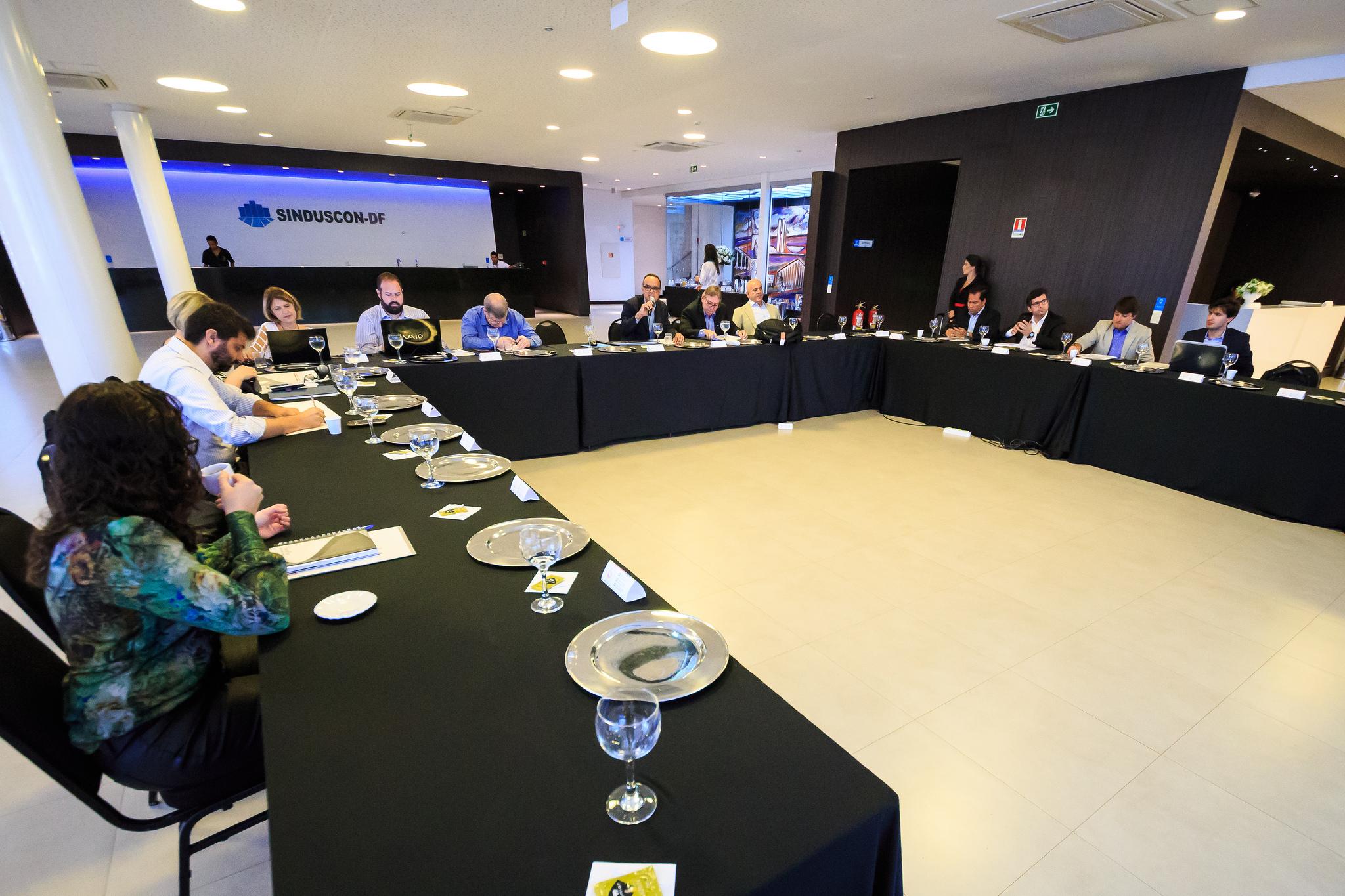 COMAT/CBIC discute normas técnicas na construção civil