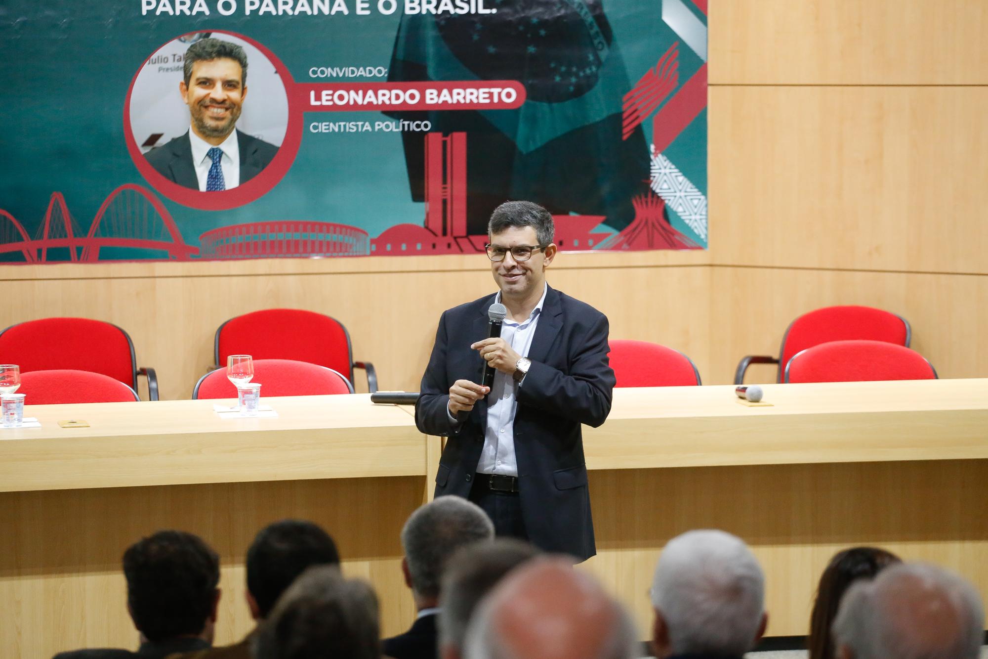 Sinduscon-PR comemora 74 anos com análise política e econômica do Brasil